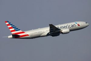 American_Airlines_Boeing_777-200ER_N775AN_PVG_2013-5-21