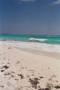 Plage sur l'île de Cayo Largo à Cuba