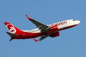 air_berlin_boeing_737-700_d-ahxd