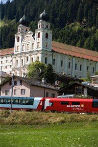 RHAETISCHE BAHN: Glacier Express- Buendner Oberland