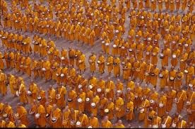 buddhist-monks-birmanie