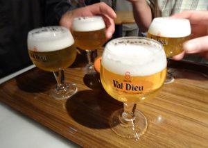 L'abbaye de Val-Dieu englobe une brasserie. Les bières Val-Dieu sont inspirées des recettes des anciens moines brasseurs. Photo ©Serge Abel-Normandin