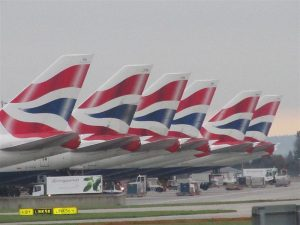 800px-British_Airways_Boeing_747-400_tails_at_Heathrow
