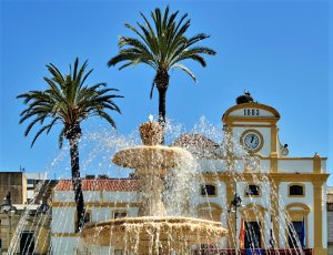 Spain, Extremadura autonomous communitie ,Badajoz porvince, ; Mérida,city, the Fountain and the stork in are nest at Plaza Major