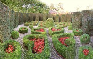 Uccle_Jardin_secret_de_la_Villa_Van_Buuren_-_panoramio