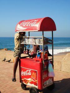 Vendeur ambulant sur la plage de Durban (Afrique du Sud) ©Hervé Ducruet