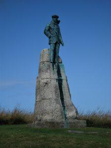 Statue de Charles Latham sur la route du Blanc-Nez ©Hervé Ducruet