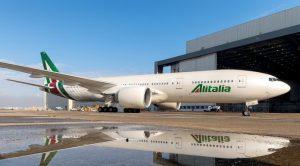 Alitalia-Boeing-B777-696x385