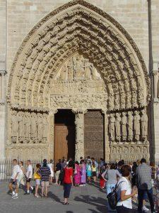 Notre_Dame_Paris_gate_DSC00697