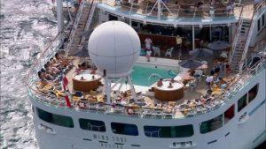 934732957-position-densite-parasol-bateau-de-croisiere