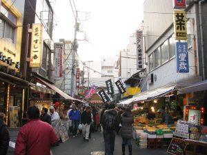 Tsukiji_Outer_Market_-09