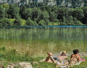 Le lac d'Ilay est un petit lac glaciaire à l'aspect sauvage qui offre un véritable havre de paix pour se détendre.