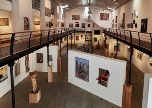 : 80 artistes du monde entier des années 60 à aujourd'hui au travers de près de 1500 oeuvres, c'est le formidable cadeau offert par la célèbre collectionneuse d'art Cérès Franco, à découvrir au fil des ans et des expositions.