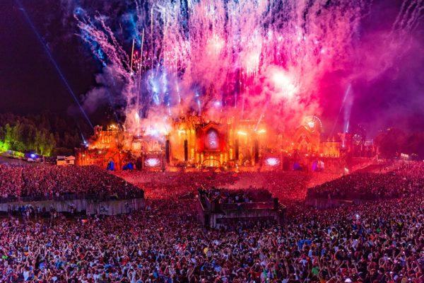 Vive les festivals et les décibels. Alerte aux terroristes musicaux!