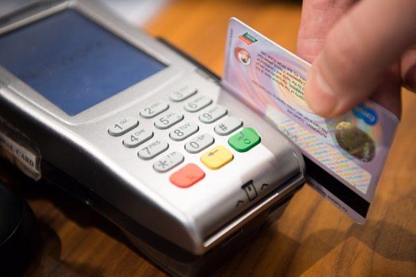 Louer sans carte de crédit chez Dollar Car Rental