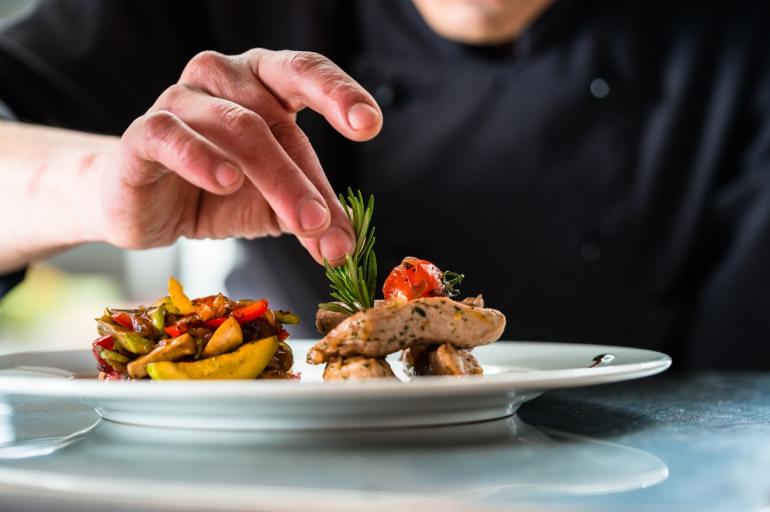 La Haute gastronomie pour les épicuriens, le véganisme pour la mode